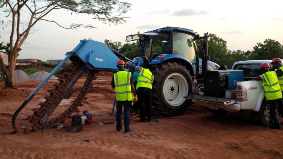 Mechanical trenching with Barth K130S mounted trencher in Jos